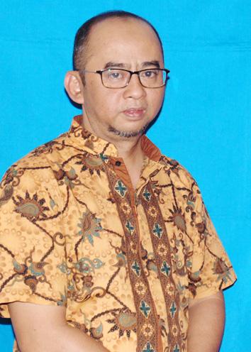 Kepala Divisi Keuangan dan Gudang Mitra Tani 27